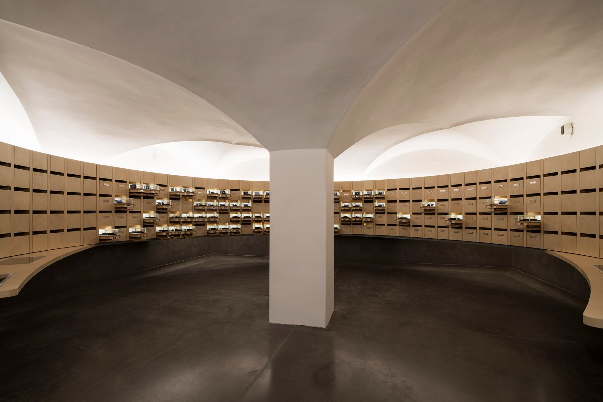 Ipostudio nuovo Museo degli Innocenti Firenze sala dei segni di riconoscimento dei bambini abbandonati imagecredits foto Pietro Savorelli