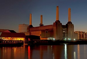 Battersea Power Station 20.10.2010 – image David Samuel (cc)3.0