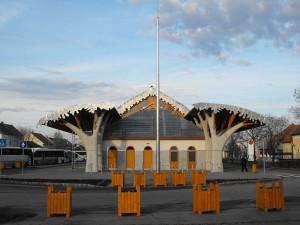 Bus terminal Makó 2010 ph. Burrows CC BY 3.0
