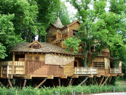 The Treehouse in Alnwick Garden imagecredits Christine Westerback CC BY-SA 2.0