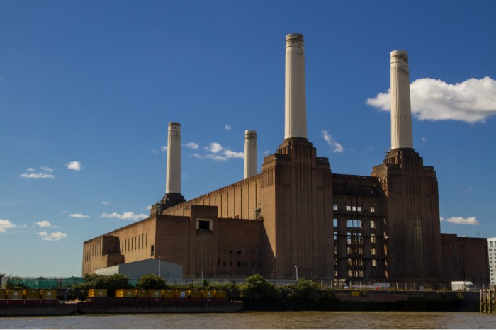 Battersea Power Station imagecredits Alberto Pascual CC BY-SA 3.0