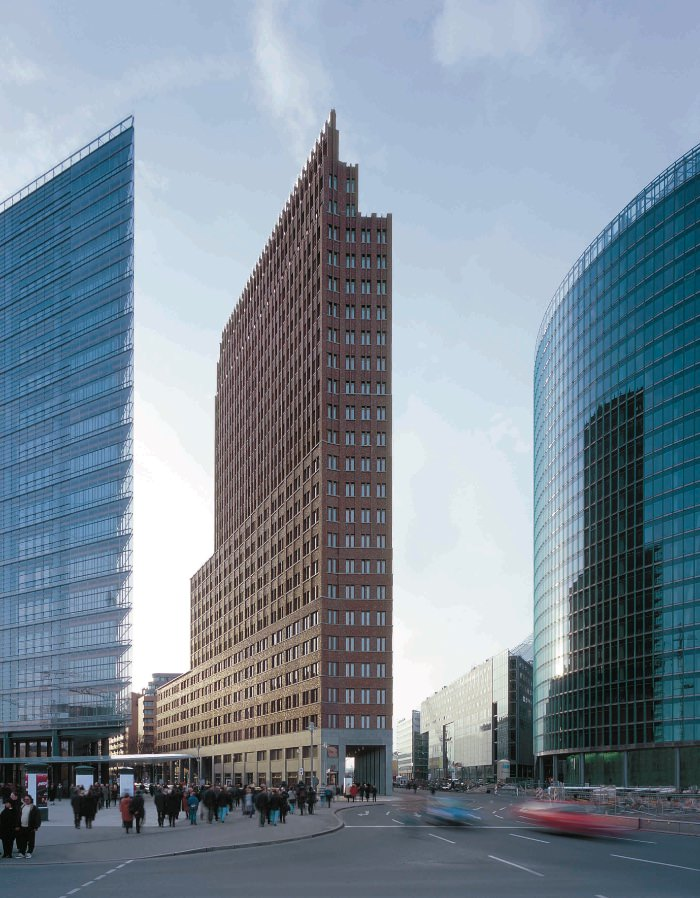 Hans Kollhoff Architekten edificio alto DaimlerChrysler in Potsdamer Platz a Berlino imagecredits courtesy spazioafirenze.it