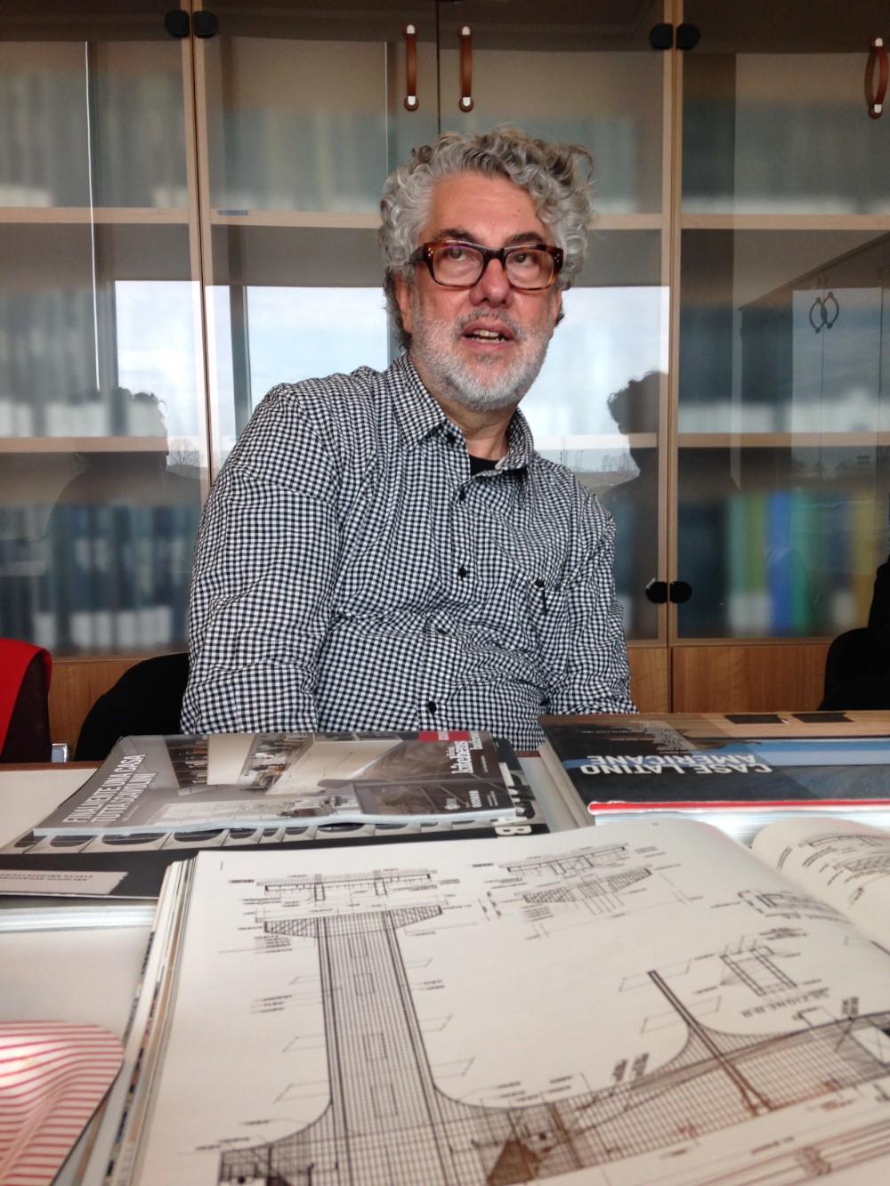 L'architetto brasiliano Marcio Kogan in visita alla redazione di CASABELLA a Segrate giovedì scorso 26 febbraio imagecredits Maria Pilar Vettori