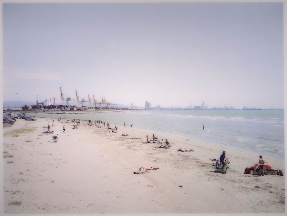 Massimo Vitali Calambrone (#0442), 1999 2013 © Massimo Vitali, Courtesy Brancolini Grimaldi Gallery, London