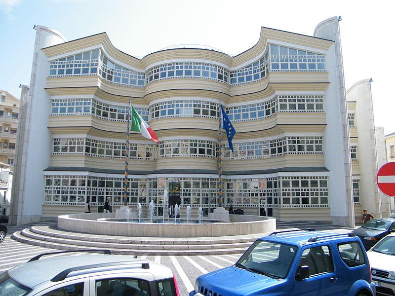 Portoghesi nuovo teatro Politeama Catanzaro imagecredits GJo CC BY-SA 2.5