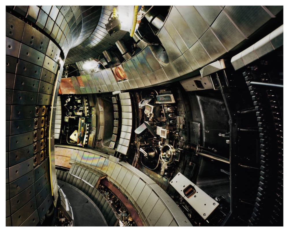 Thomas Struth Tokamak Asdex Upgrade Interior 2, Max Planck IPP, Garching, 2009 2011 © Thomas Struth