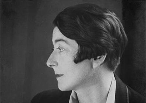 Eileen Gray 1910 ca. imagecredits CC PD