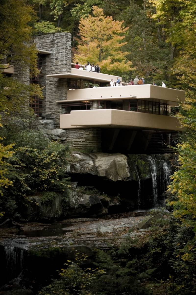 Fallingwater by Frank Lloyd Wright imagecredits Sxenko CC BY 3.0
