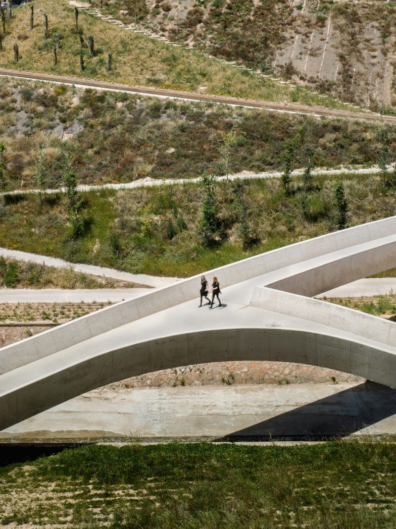 grupo Aranea | Francisco Leiva Ivorra e Maria Garcia Chico El Valle Trenzado imagecredits courtesy bcbiennial.info