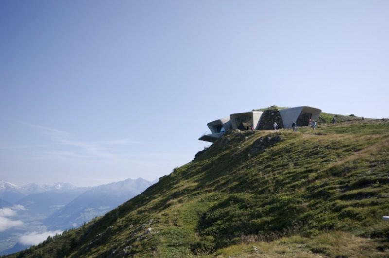 Messner Mountain Museum Corones imagecredits inexhibit.com courtesy zaha-hadid.com