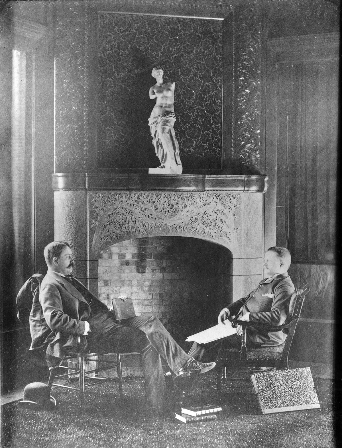 Daniel Burnham (sinistra) e John Wellborn Root (destra) 1890 circa