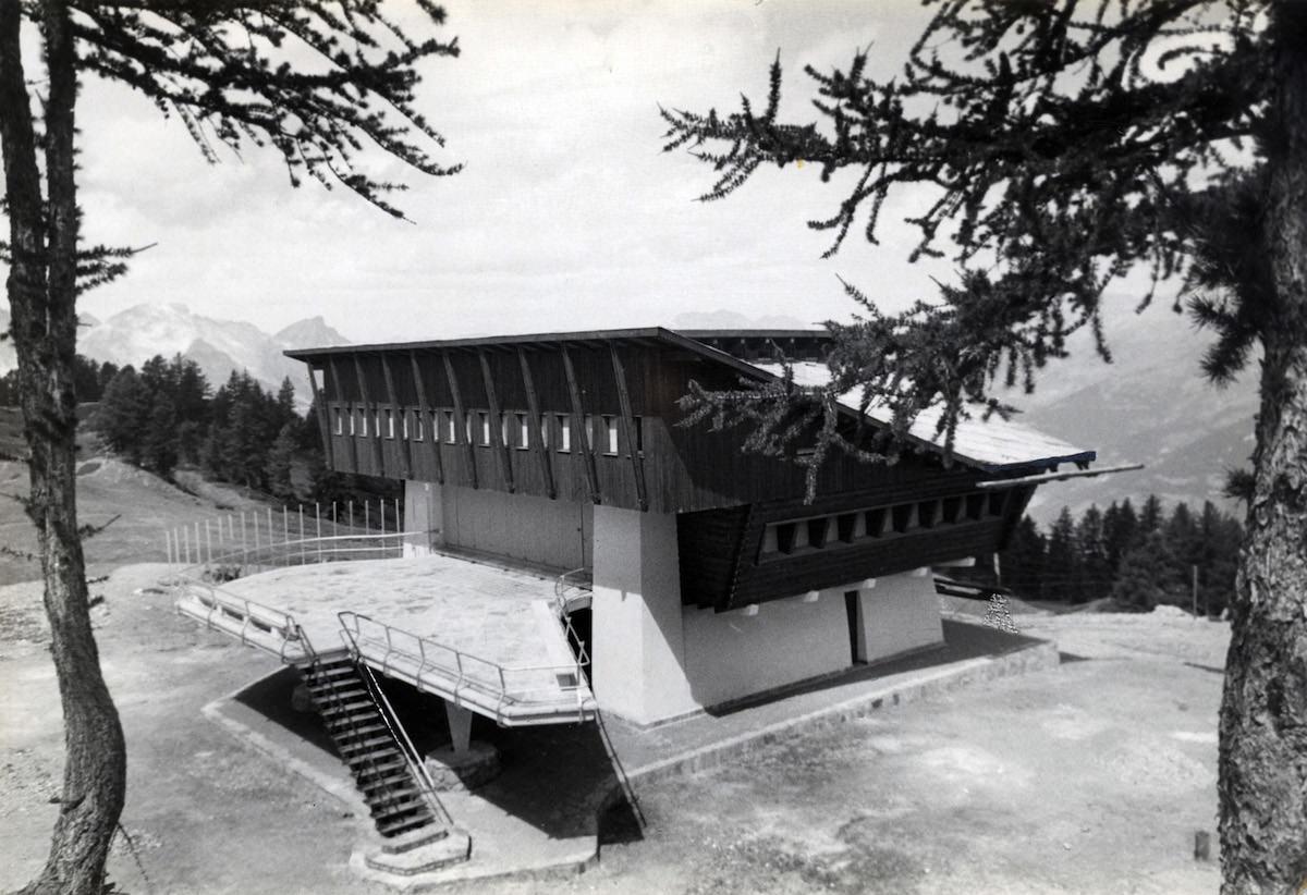 Stazione-albergo al Lago Nero,