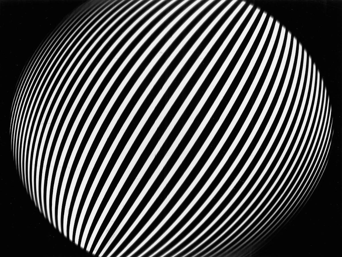 Franco Grignani Sferamolle oscillante a linearità topologica, subpercezione, 1951, sperimentale ottico ai sali di bromuro d'argento 18,6 x 25 cm