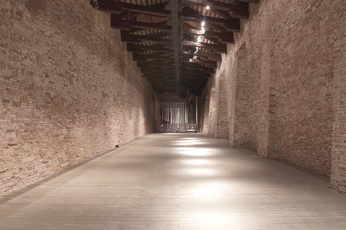 L'interno del Magazzino del Sale restaurato da Renzo Piano