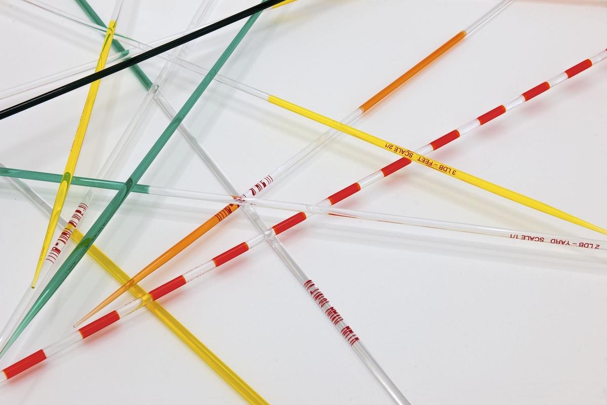 Lieven De Boeck Mikado LDB Modulor (détail), 2012-2013 Verre étiré sérigraphié Ph. Galerie Meessen de Clercq, Bruxelles