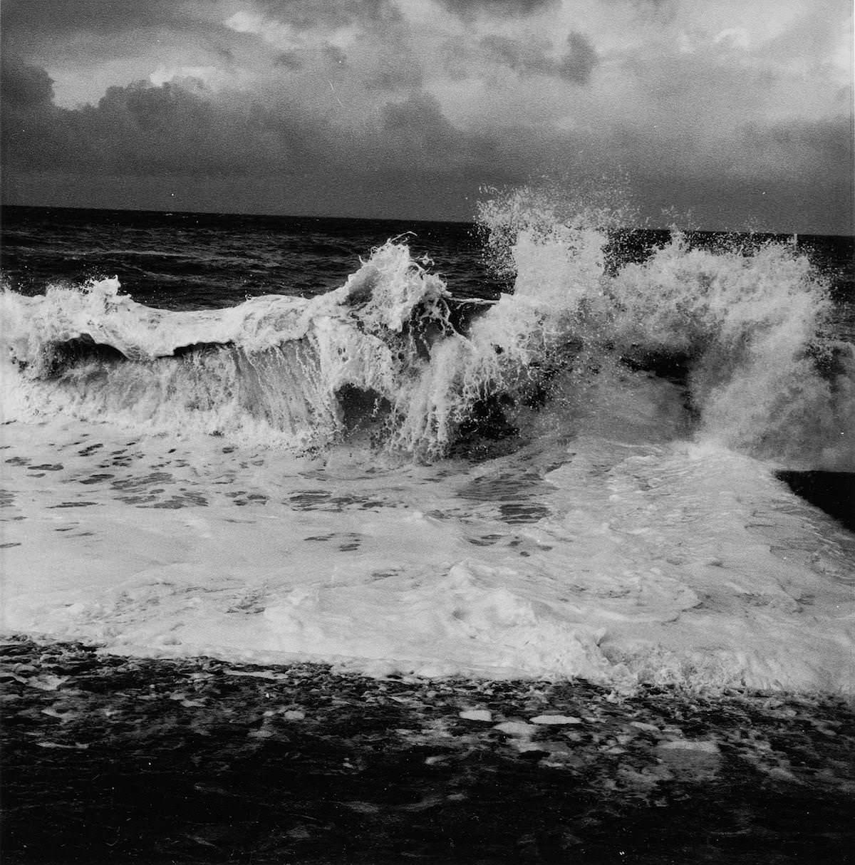 La vague, Normandie, 1995 Museum Franz Gertsch, Burgdorf © Estate Balthasar Burkhard, 2018
