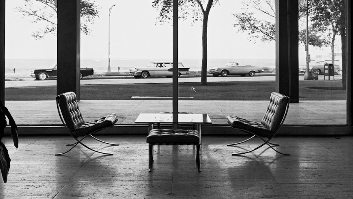 Mies van der Rohe, Lake Shore Drive Apartments in Chicago, USA. Ph. Werner Blaser