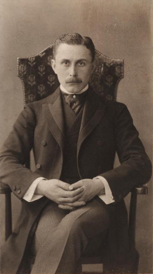 Adolf Loos (1870-1933) imagecredits Otto Mayer PD