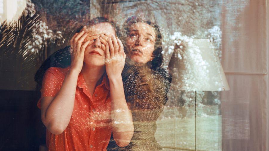 anna-di-prospero-self-portrait-with-my-mother-2011-credits-courtesy-triennale-org