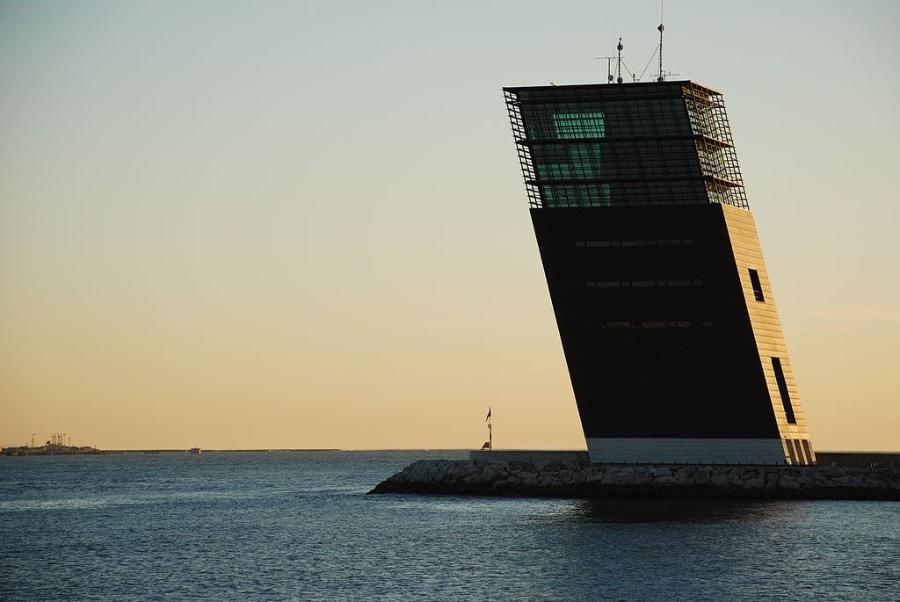 Gonçalo Byrne Torre de Controle de Tráfego Marítimo da APL imagecredits Cristovaob CC PD
