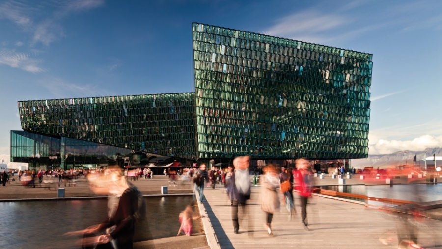 palazzo-della-musica-e-centro-congressi-di-harpa-reykjavik-hennig-larsen-architects-reykjavik-islanda-imagecredits-courtesy-triennale-org