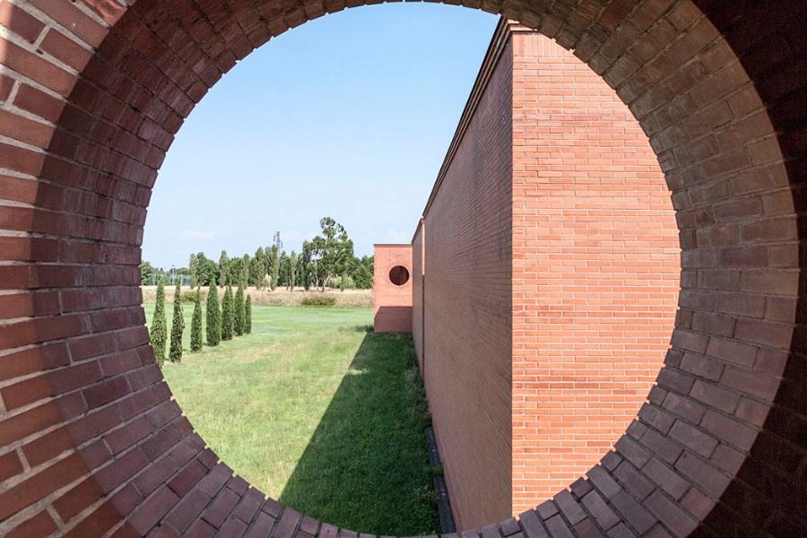 roberto-mariani-cimitero-di-cascina-imagecredits-centoventigrammi-it