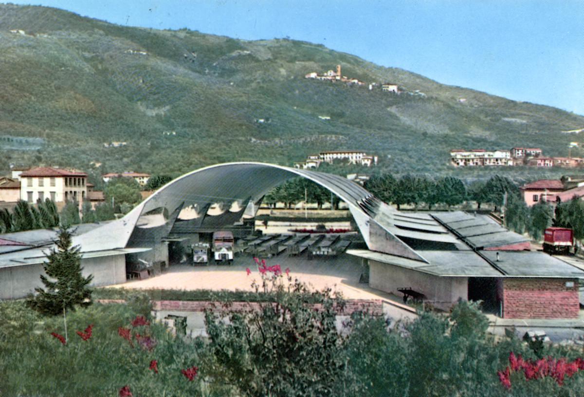 primo mercato dei fiori Pescia cartolina d'epoca
